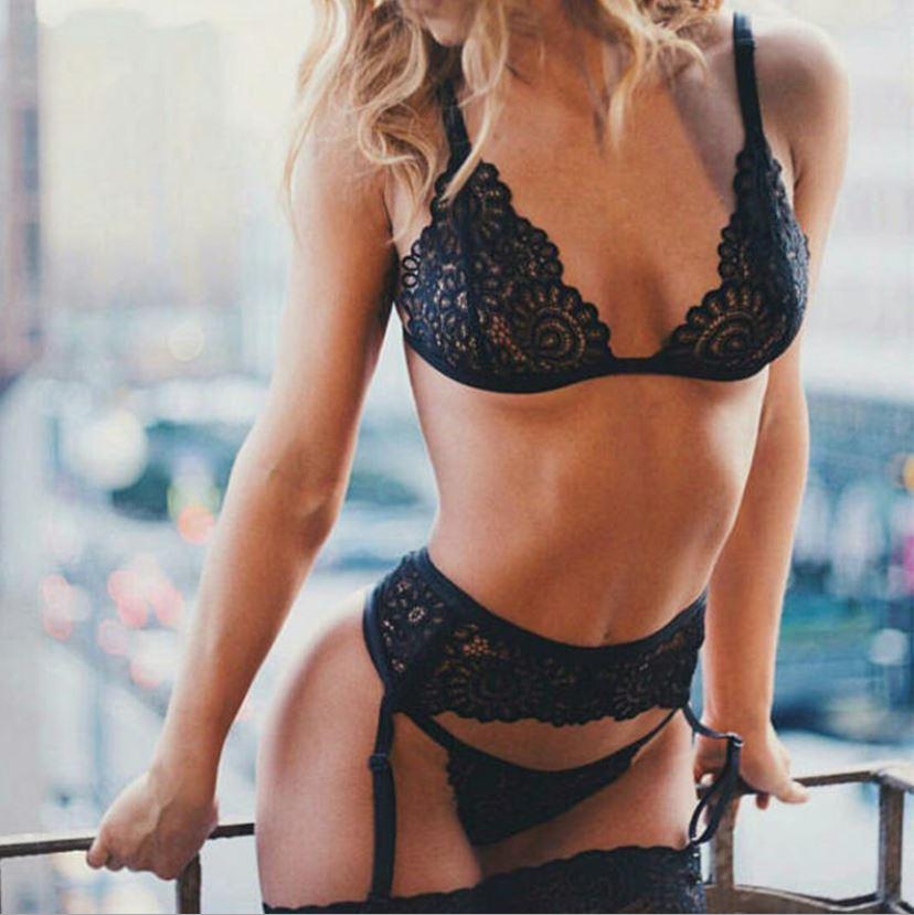 中大尺碼歐美比基尼含吊襪帶(黑)♥